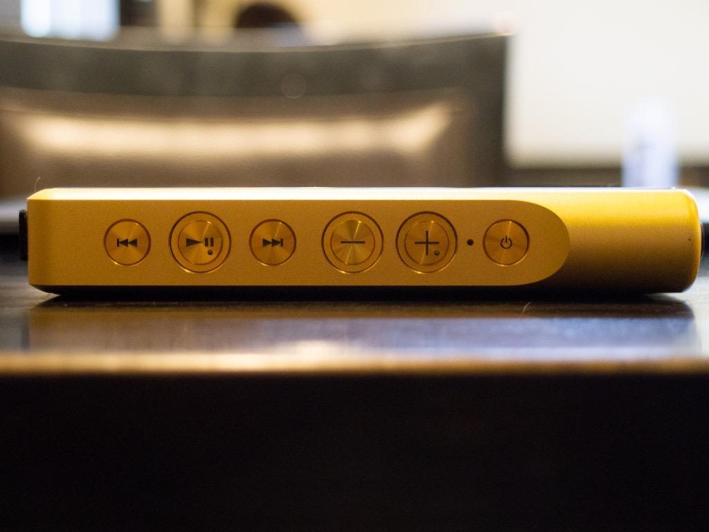 「NW-WM1Z」側面の物理ボタン